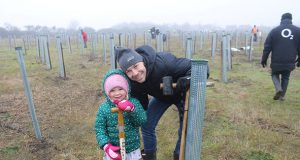 Volunteers plant trees in Marston Vale