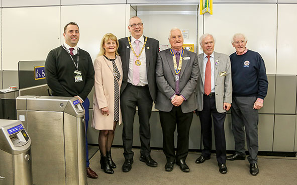 Matthew Pateman, Leanne Coventry, the mayor's wife, the mayor Cllr Stephen Coventry, MK Rotary President, David Biles, District Governor Chalmers Cursley and Past District Governor Paul Denton.jpg
