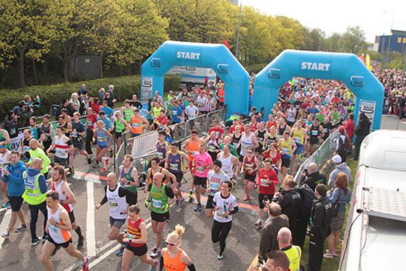 MK Marathon start line