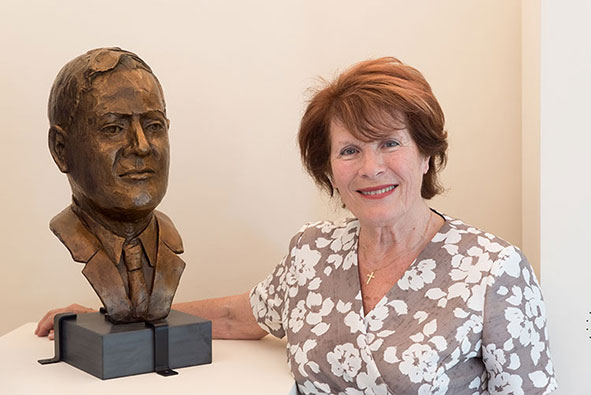 Bust of key codebreaker and mathematician Bill Tutte with The artist, Gabriella Bollobás