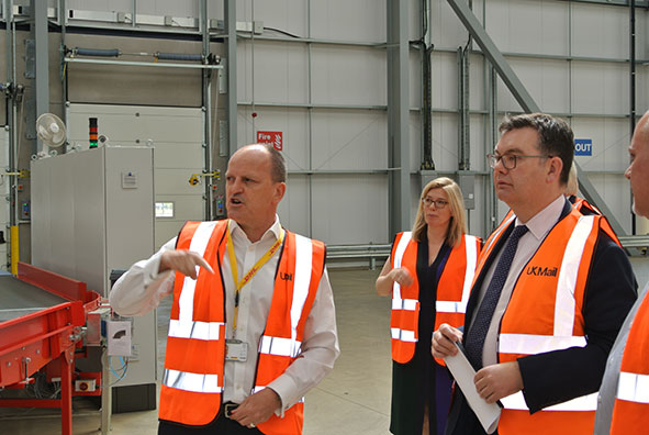 Iain Stewart MP visits UK Mail