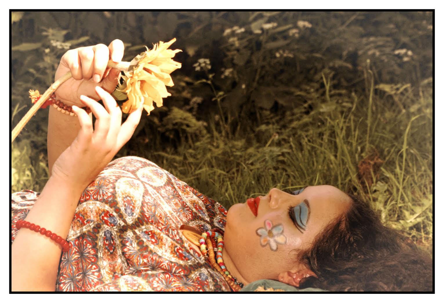 singer Luna Nightingale