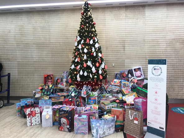 Pictured - Centre:MK's Giving Tree