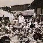 Michael-Caine-at-Swallofield-School-pic-courtesy-Patricia-Humphreys