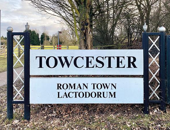 towcester-sign